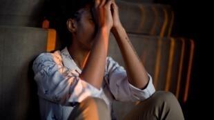 Crise : comment ne pas sombrer dans les émotions négatives ?
