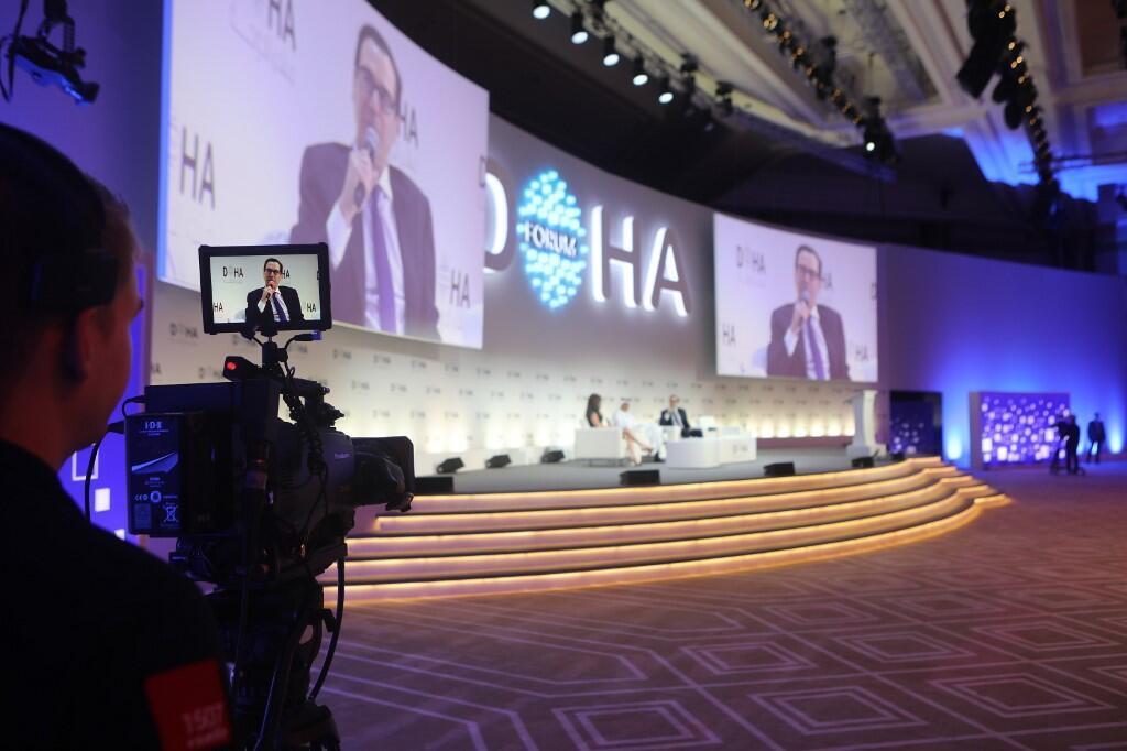 استیو منوچین، وزیر خزانهداری آمریکا، در کنفرانس «مجمع دوحه» در قطر