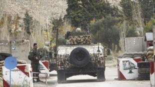 Checkpoint de l'armée libanaise près de la ville de Ras Baalbeck où 6 soldats ont été tués dans une embuscade, le 3 décembre 2014, au Liban.