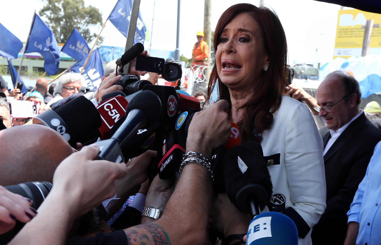 """Kirchner: """"Perseguição judicial ordenada"""" por Maurício Macri."""