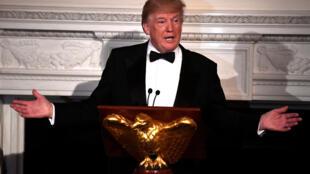 Le président Trump accueille les gouverneurs de la nation lors d'un bal organisé à la Maison Blanche à Washington, le 25 février 2018.