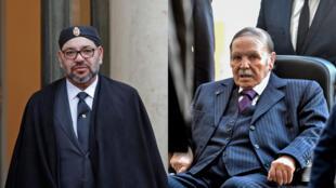 Le Roi du Maroc Mohammed VI (gauche) et le président algérien, Abdelaziz Bouteflika.