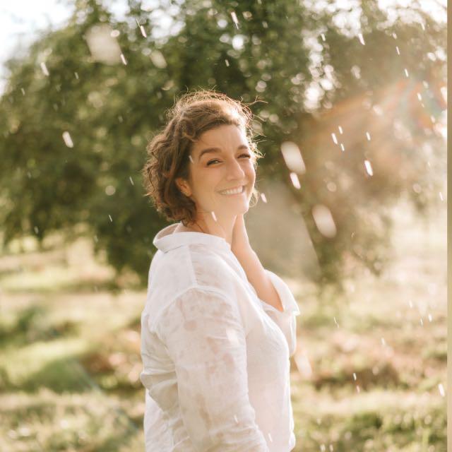 """A produtora de azeite de oliva Glenda Haas é uma das representantes brasileiras da rede mundial """"Women in Olive Oil"""" (Mulheres do Azeite de Oliva)."""