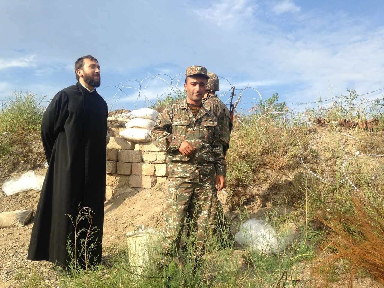 На передовой в Нагорном Карабахе.
