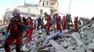 Resgate em Amatrice (Itália),