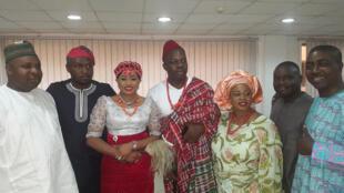 Chez les Yorubas, le « fila » est le chapeau traditionel des hommes, et le « gele » celui des femmes (photo d'illustration).