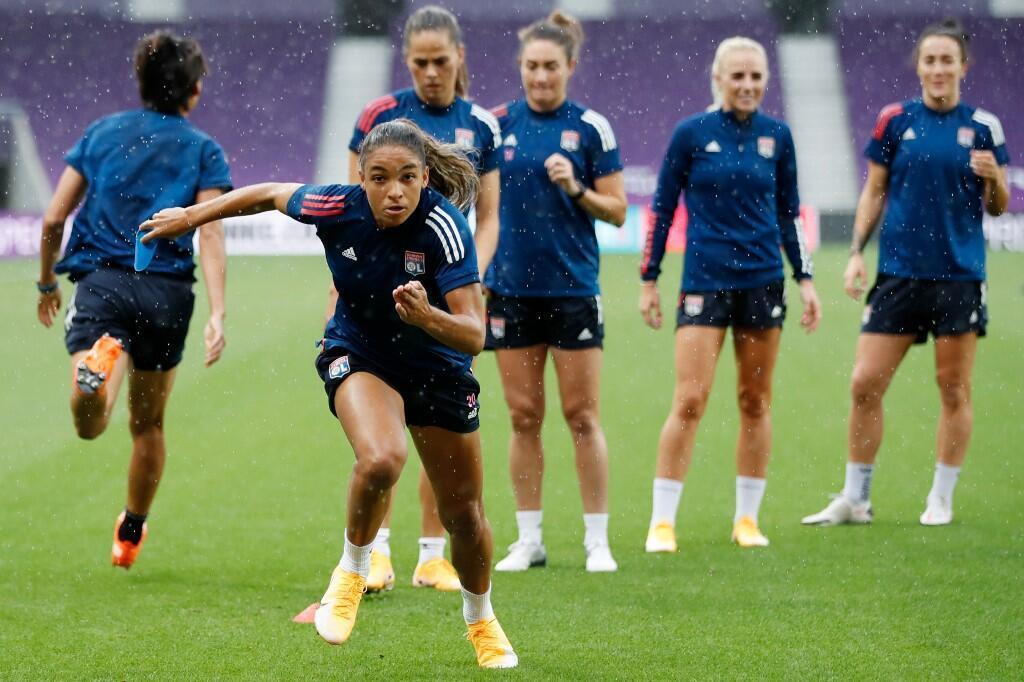 Jogadoras de futebol do Lyon, durante treino no dia 29 de agosto de 2020.