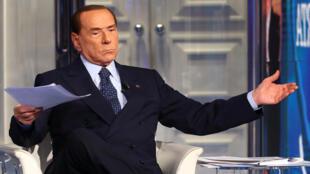 Silvio Berlusconi, ici le 14 février lors d'une émission télévisée, compte sur les législatives pour revenir sur le devant de la scène politique italienne.