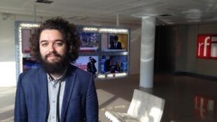 """Lucas Mendes Menezes é curador da mostra """"Images Voyageuses – Photographies brésiliennes en France"""""""