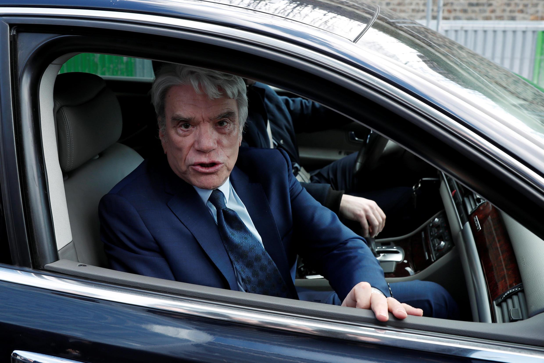 Bernard Tapie lors de son arrivée au tribunal de Paris pour le premier jour de son procès, ce lundi 11 mars 2019.
