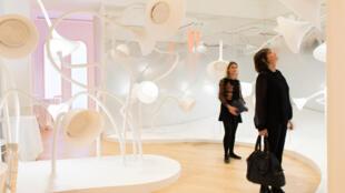 """El Gran Museo del Perfume propone un """"jardín de los olores"""" para sentir varios aromas e intentar adivinarlos...."""