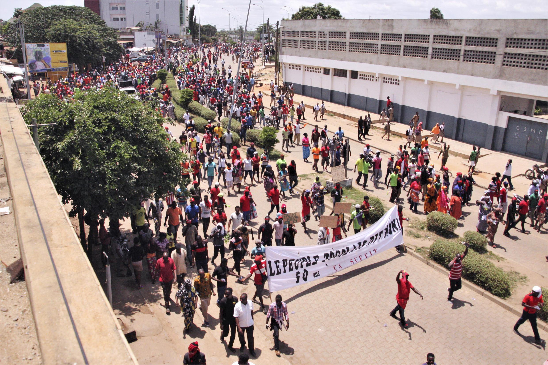 (Photo d'illustration) Rassemblement de Togolais pour réclamer l'alternance politique, à Lomé, au Togo, le 5 octobre 2017. (Photo d'illustration)