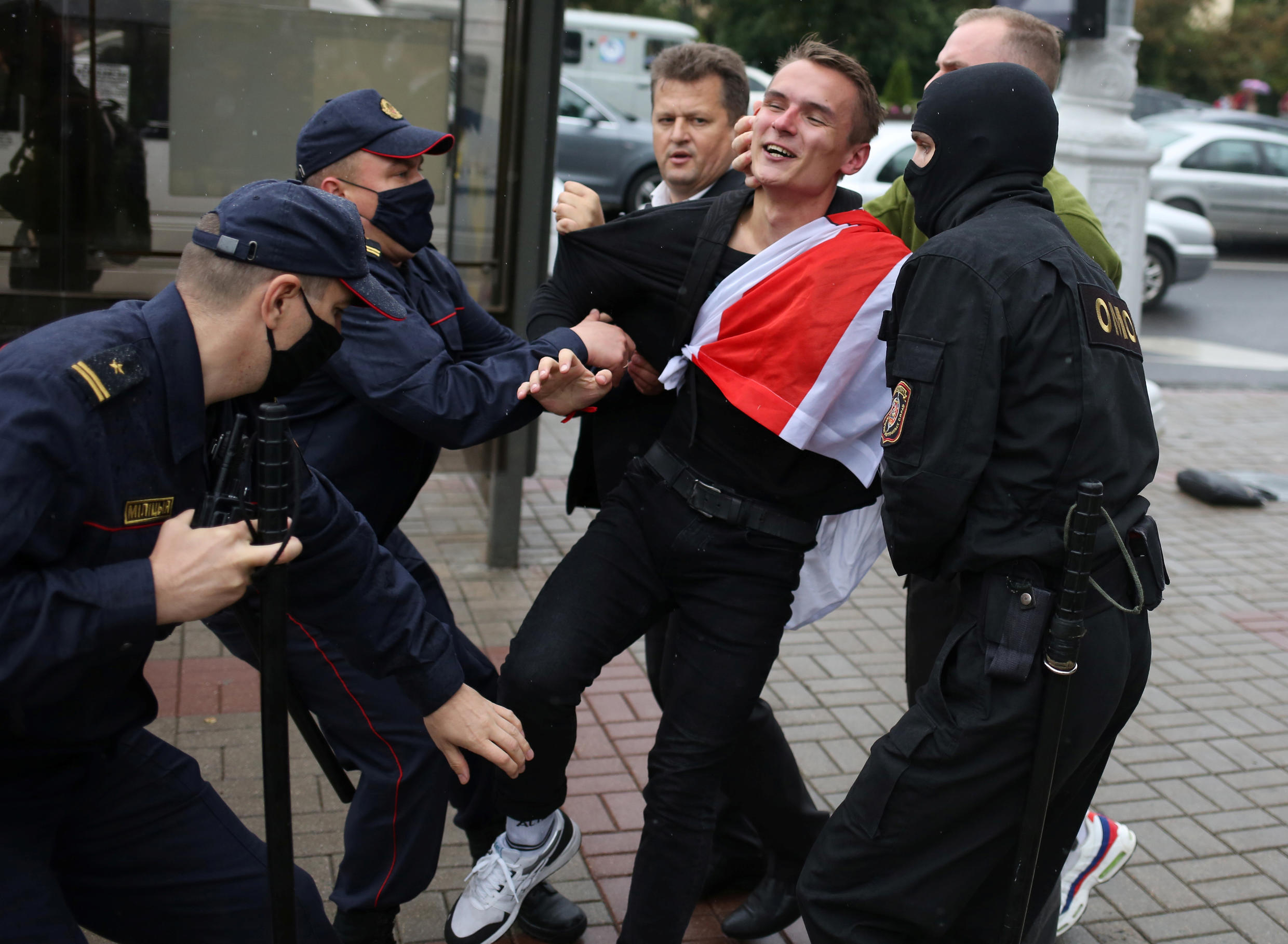 2020-09-01T114042Z_1662086532_RC2NPI95YC9Y_RTRMADP_3_BELARUS-ELECTION-PROTESTS-STUDENTS
