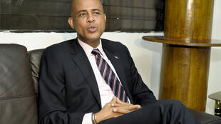 Presidente eleito do Haiti, Michel  Martelly, denuncia as fraudes nas eleições legislativas.