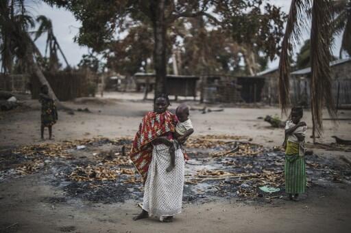 Uma família desalojada depois do ataque na sua aldeia a 24 de Agosto de 2019. Os ataques em Cabo Delgado comçaram em Outubro de 2017.