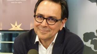 Gustavo Guerrero en los estudios de RFI