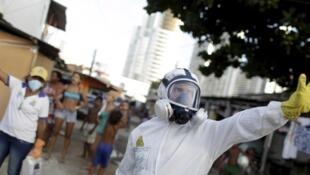 Luchando contra el mosquito que transmite zika en Recife, Brasil, 26 de enero de 2016. e le virus zika.