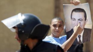 La justice égyptienne poursuit son travail envers Hosni Moubarak et les proches de son régime.