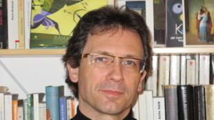 Christophe Jaffrelot est politologue et spécialiste du sous-continent indien.