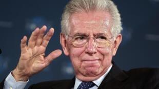 O premiê italiano, Mario Monti, pediu demissão do cargo na sexta-feira, 21 de dezembro de 2012.