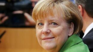A Chanceler alemã, Angela Merkel firma acordo com SPD para formação de Governo.