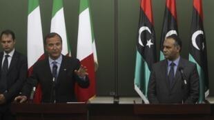 کنفرانس مطبوعاتی فراتینی ورئیس شورای انتقالی لیبی
