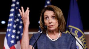 Nancy Pelosi, líder de la minoría de la Cámara de Representantes habla durante una conferencia de prensa en Washington, el 7 de septiembre de 2017.