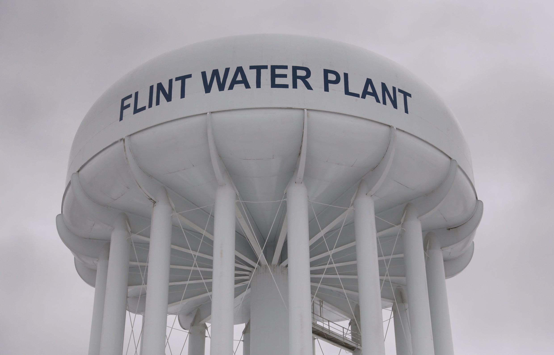Un depósito de agua en la ciudad estadounidense de Flint (norte) donde se han reportado casos de niños contaminados con plomo.