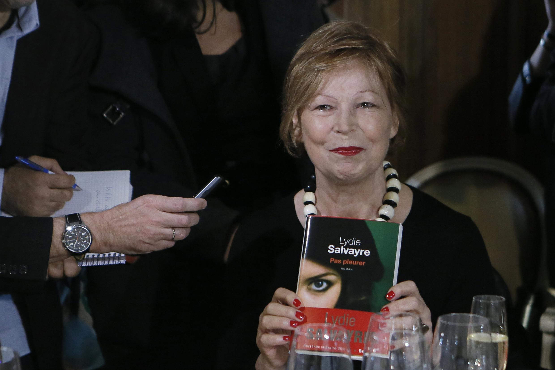 A escritora de origem espanhola Lydie Salvayre recebeu o Prêmio Goncourt.