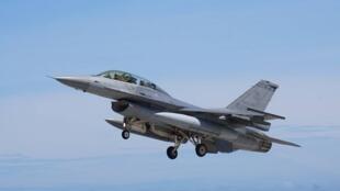 图为美国传允售台湾的F-16V战机图