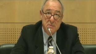 Le directeur général de l'ESA, Jean-Jacques Dordain, lors de la conférence de presse annuelle, le 9 janvier 2012.