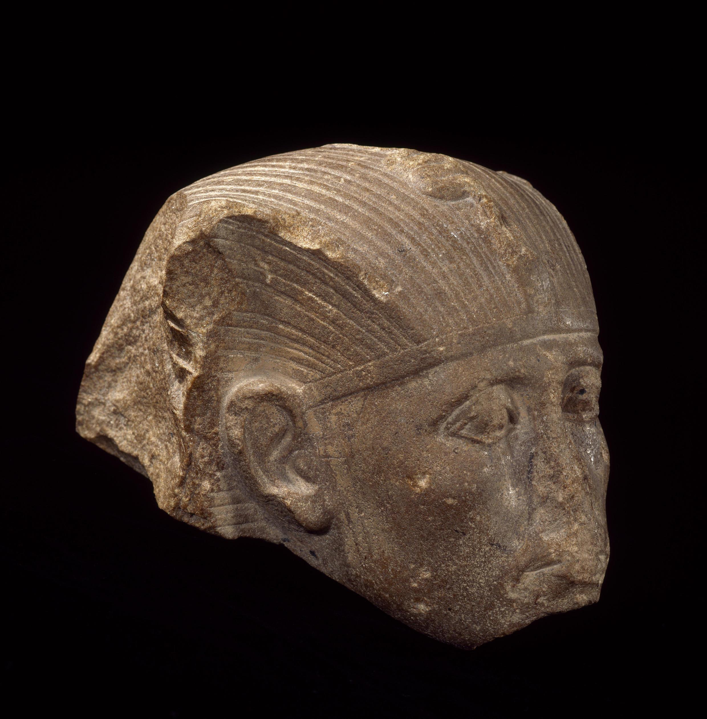 Cabeza atribuída a Sesostris III.