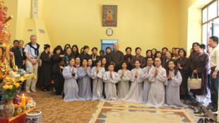 Phật tử Ba Lan và Đức trong lễ khai trương (DR)
