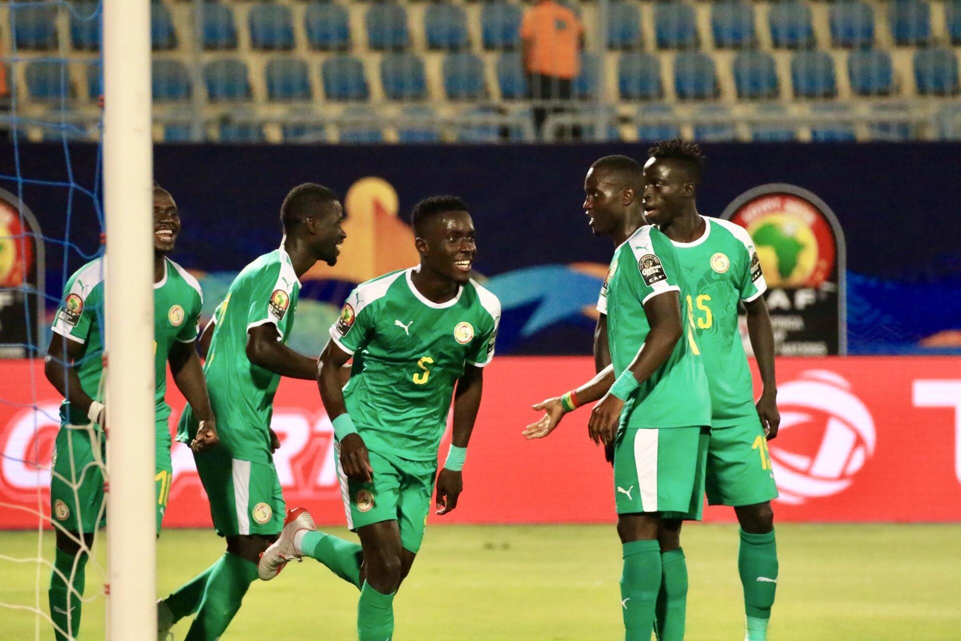 Senegal wakisherehekea bao la Idrissa Gana Gueye dhidi ya Benin katika robo fainali za AFCON 2019.