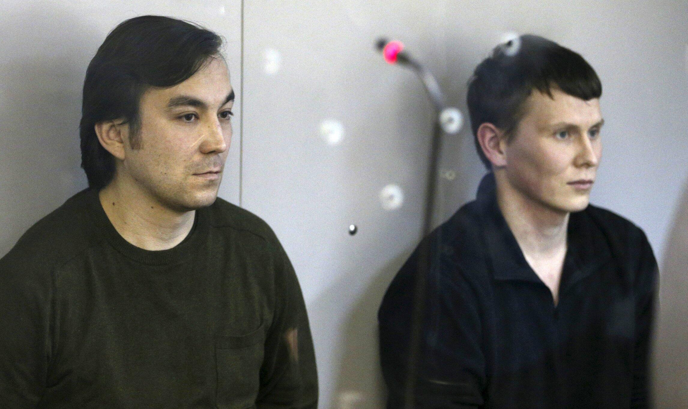 Россияне Александр Александров и Евгений Ерофеев на оглашении приговора в Голосеевском районном суде Киева, 18 апреля 2016 г.