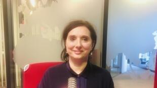 L'écrivaine Catherine Mavrikakis, en studio à RFI (mars 2020).