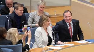 Le social-démocrate Stefan Löfven, en compagnie des écologistes Isabella Lövin et Gustav Fridolin, ou encore de la ministre des Affaires étrangères Margot Wallström. Stockholm, le 18 janvier 2019.