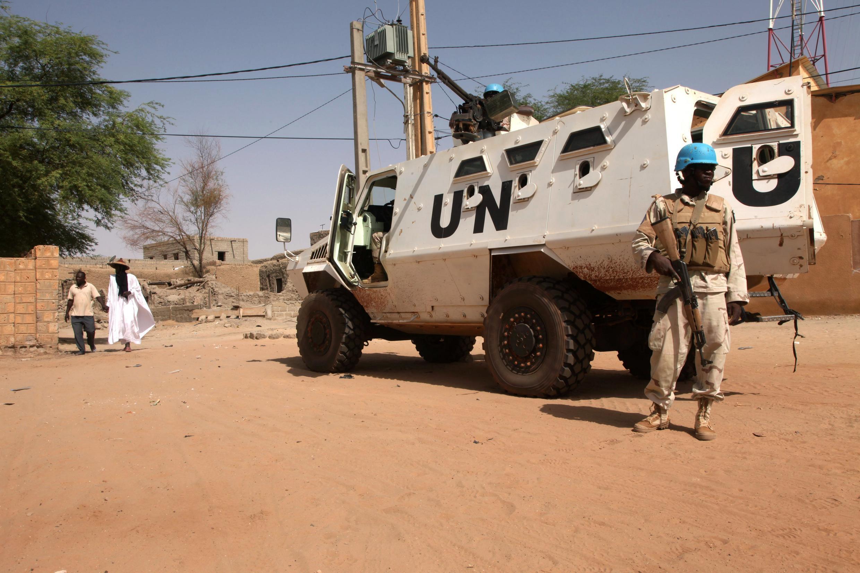 Un Casque bleu de la Minusma (Mission multidimensionnelle intégrée des Nations unies pour la stabilisation du Mali), à Tombouctou, le 19 septembre 2016.