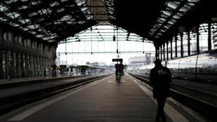 Лионский вокзал Парижа в первый день забастовки, 3 апреля 2017 г.
