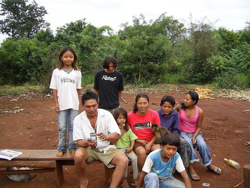 Iyalin wani mutum mai Mato Grosso a Guarani kasar Brazil