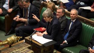 Theresa May trata de convencer a los parlamentarios de aprobar el acuerdo del Brexit.