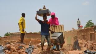 Les pluies diluviennes ont parfois totalement détruit les habitations, comme ici à Niamey, la capitale nigérienne, le 30 août 2017.