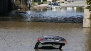 Inondations à Mandelieu-la-Napoule, près de Cannes, dans le sud de la France, le 4 octobre 2015.