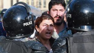 Une femme kurde manifeste contre la présence turque, le 18 juin 2020, au Kurdistan irakien. (photo d'illustration)