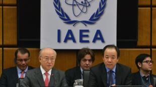 O chefe da AIEA, Yukiya Amano (e) discursou hoje (03) durante a abertura de uma nova rodada de discussões sobre o programa nuclear iraniano em Viena, Áustria.