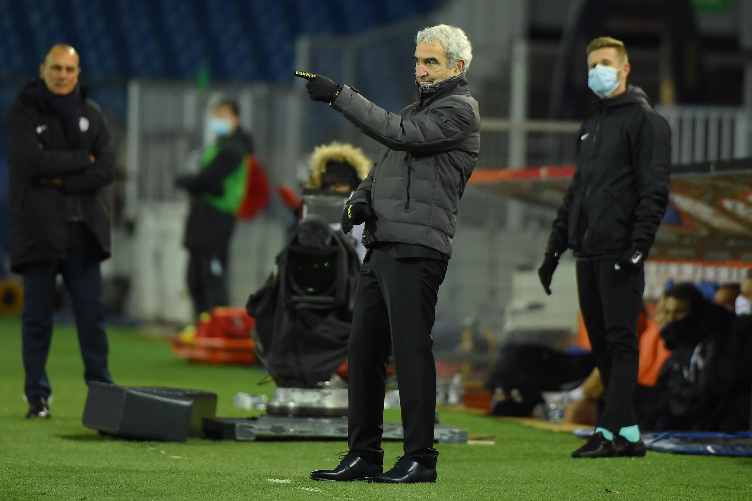 Nantes trainer, Raymond Domenech (c), during a Ligue 1 match in Montpellier, 9 January 2021