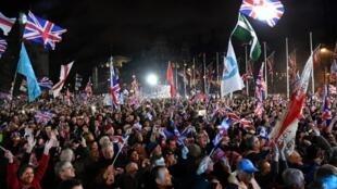 Plusieurs milliers de partisans du Brexit étaient rassemblés vendredi dans les dernières heures de la journée pour dire adieu à l'UE.
