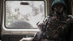 Un soldat de la Minusca photographié en RCA en juillet 2018.