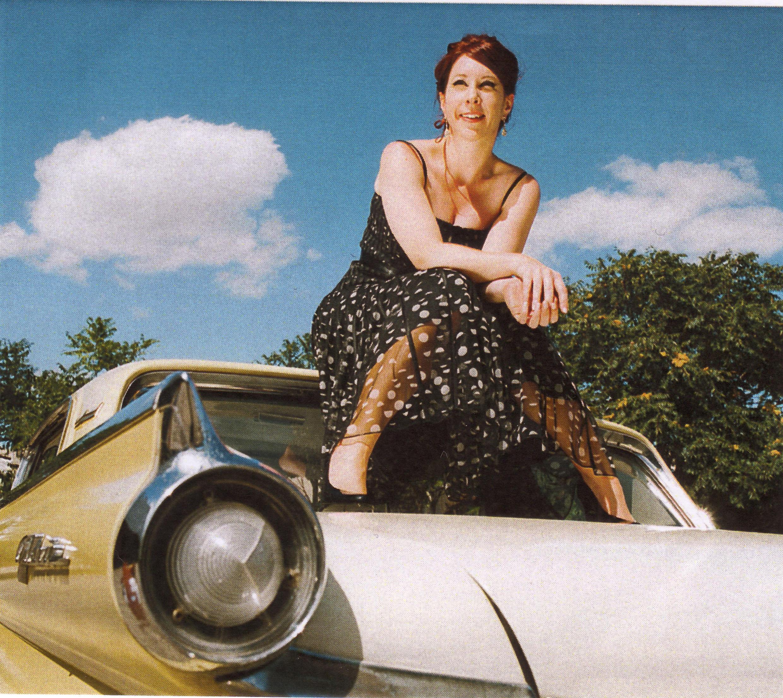 Cantora Robin Mckelle