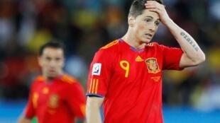 Fernando Torres bajo el peso de la derrota española